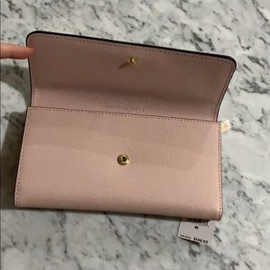 MICHAEL Michael Kors Bags - NWT Michael Kors Jet Set Travel wallet in Blossom